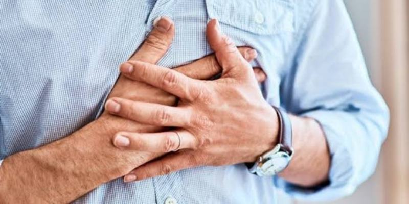 What are the shared acid reflux symptoms