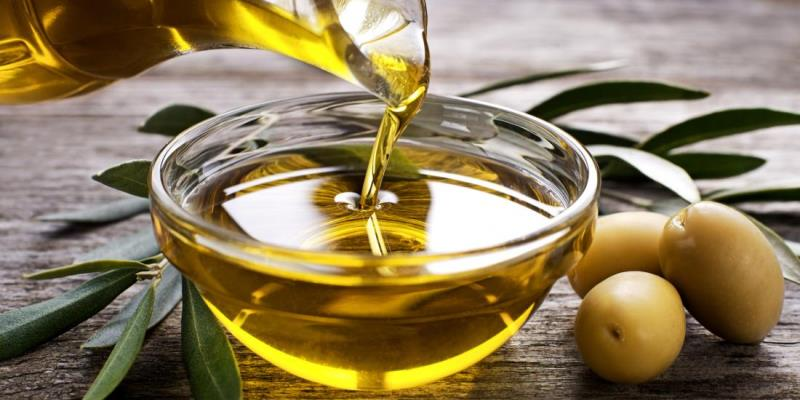 Olive Oil for Frizzy Hair